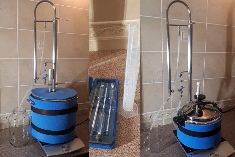 Оборудование для получения ароматной водки.